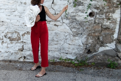 Classic Highwaisted Trousers with Built-on-Waistband.