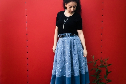 A-Line Pleated Skirt with Wide Waistband & Side Pockets